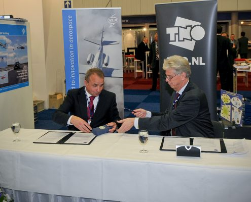 TNO and NLR sign cooperation agreement