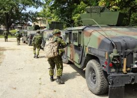 Hummers with Canadian soldiers