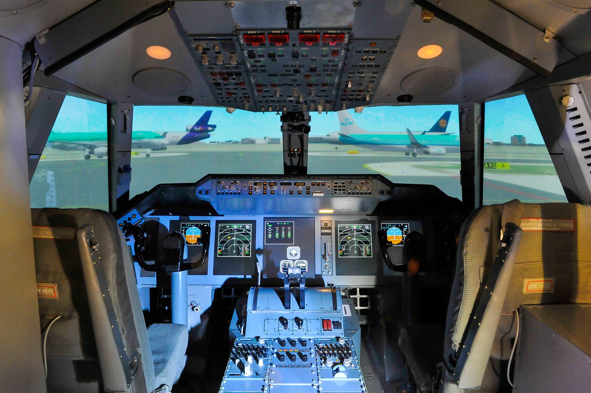 flight simulator motion cueing grace cockpit netherlands