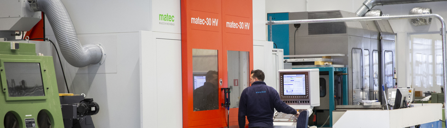 CNC milling machine at NLR Marknesse