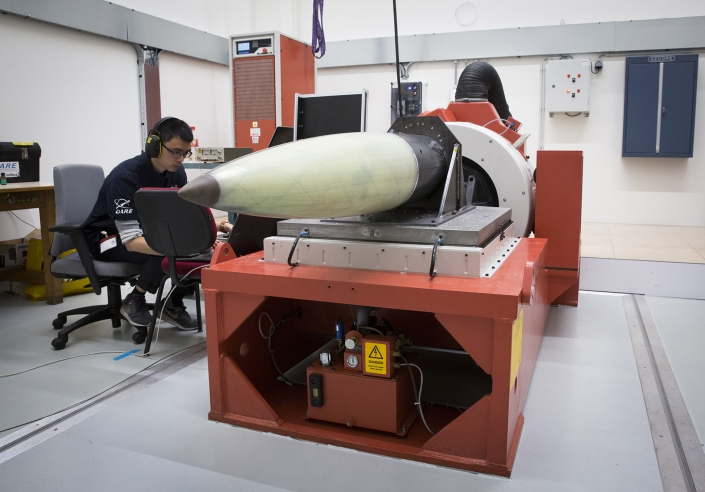 Sensitive NLR-developed electronics for Stratos III rocket survives vibration test