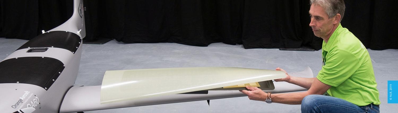 Integration of satellite antennas into small sized UAVs